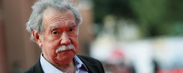Raúl Ruiz, director chileno que cita Zoro en la entrevista en más de una ocasión