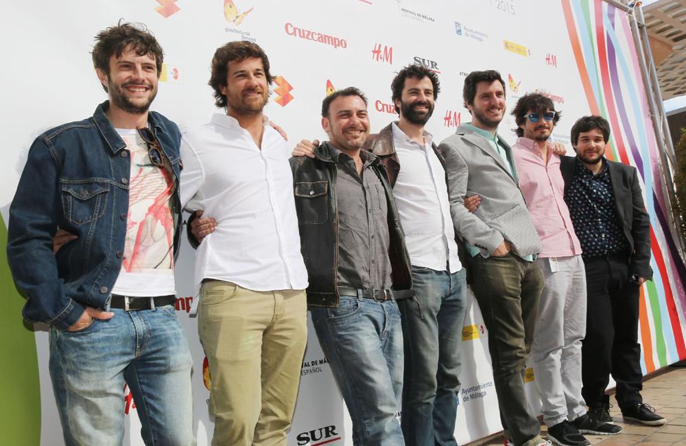 """El equipo de """"Todo el mundo lo sabe"""" posa en el photocall en el Cine Albéniz (fotografía facilitada por la web del festival)"""
