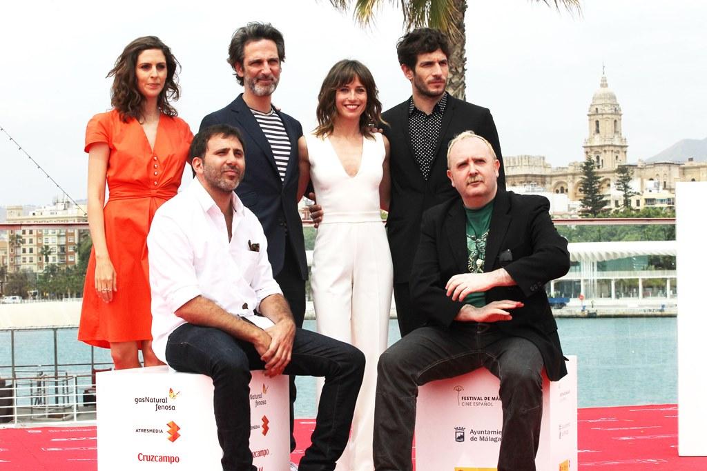 Director, elenco y equipo de 'Sexo fácil, películas tristes' (foto facilitada por la web del festival)